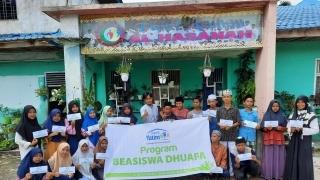 Rumah Yatim Berikan Bantuan Pendidikan kepada Siswa SD dan SMP Islam Al Hasanah di Riau